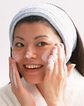 皮膚科 | 肌あれ・乾燥肌、手あれ、イボ、円形脱毛症、フケ・抜け毛、女性と水虫についてのイメージ
